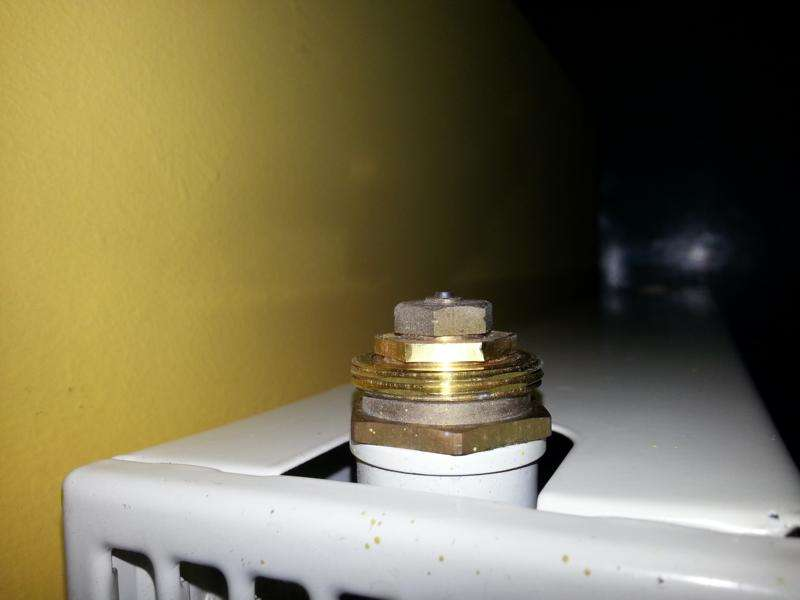 thermostat-stift-klemmt